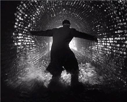 "Harry Lime meets his end in the sewers of Vienna - ""The Third Man"" (1949)"