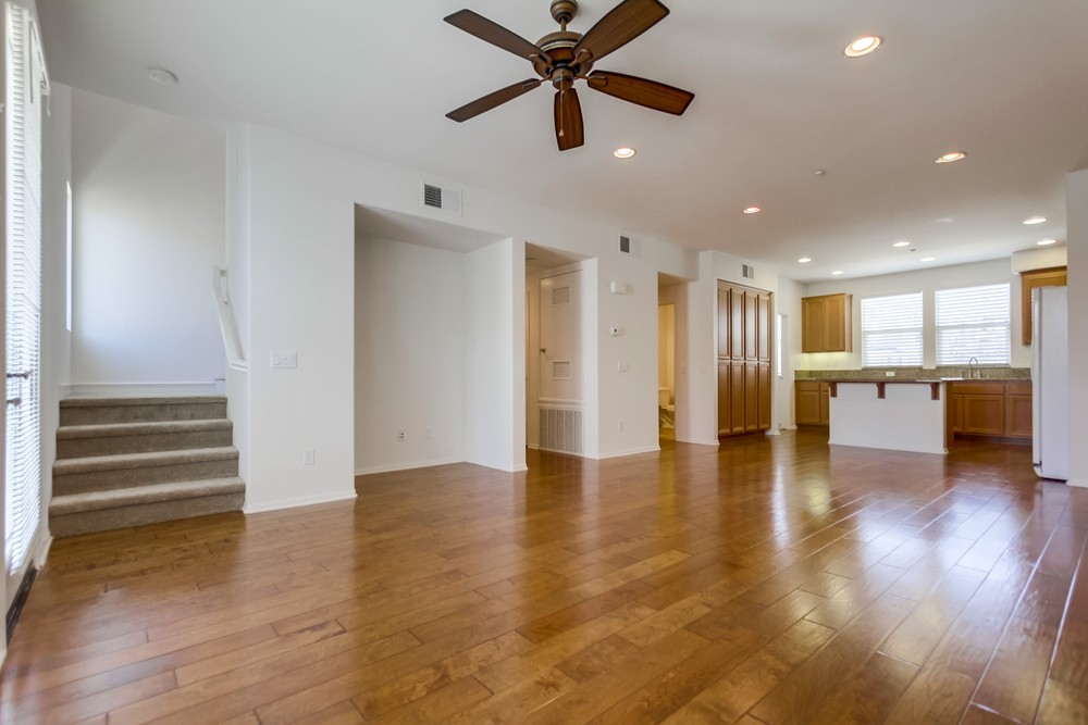 ... Wood Floors, New Carpet U0026 Fresh Paint Make This Like A Sparkling New  Home! Walk/bike Only 1.5 Mi To Beautiful Mission Bay Park. Just Minutes To  I 5, ...
