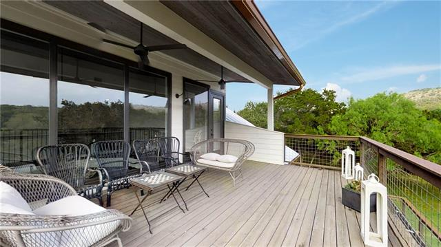 Balcony with Hill Country Views!