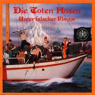 1377876500_die_toten_hosen_unter_falscher_flagge_a