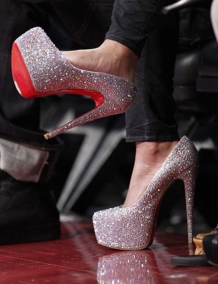 Louboutin cashews that\u0026#39;s why they going nuts \u2013 1981 Lyrics Meaning