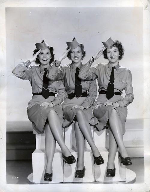 Andrews Sisters lyrics | LyricsMode.com