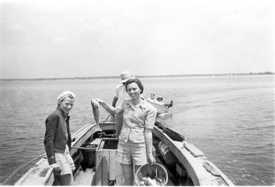 1950   ladiescatch (1)