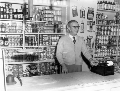 1955   wac at old store   1955