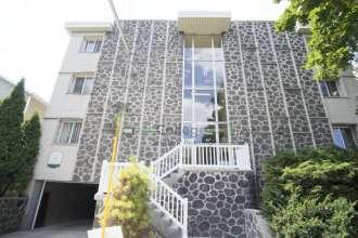Marquette-Apartment-Building-424636.jpg