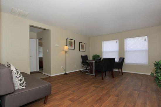 Purdue-Apartment-Building-1303.jpg