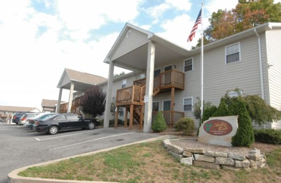 Bedroom Apartment Building at  - 264 McCullough St, Morgantown, WV  26505, United States image 2