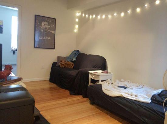 414773878421827-B-livingroom.jpg
