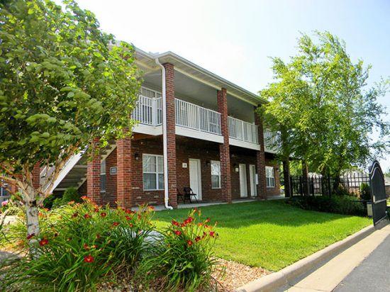 Missouri-State-University-Apartment-Building-159245.jpg