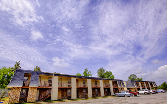 Brookstone - Tuscaloosa | Rent College Pads