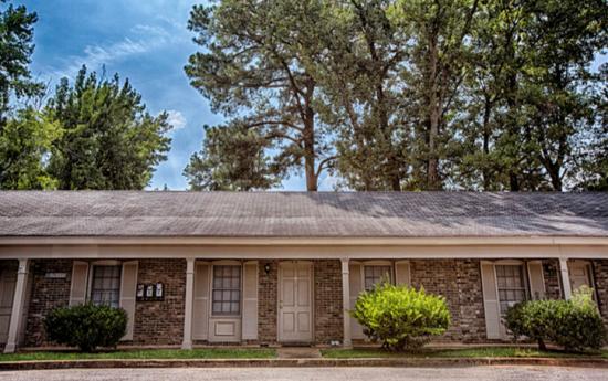Skyland Apartments - Tuscaloosa   Rent College Pads