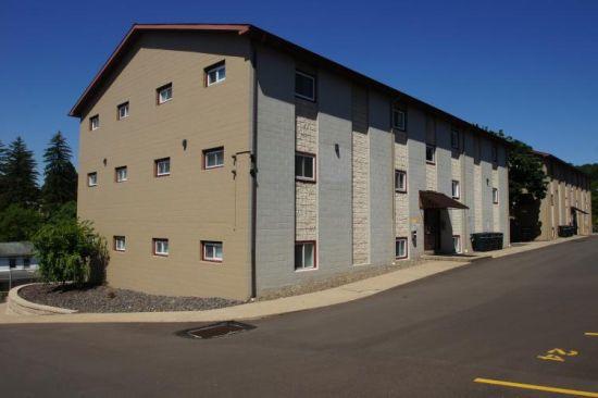 Bloomsburg-University-Apartment-Building-213106.jpg