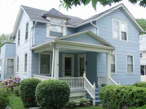 Binghamton-University-House-220403.jpg