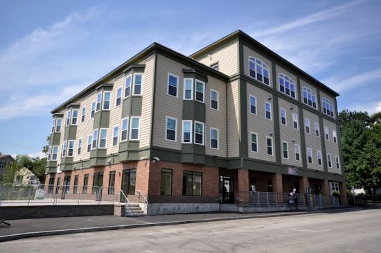 University-of-New-Hampshire-Apartment-Building-224028.jpg