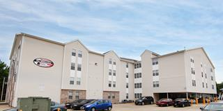 Eastern-Illinois-University-Apartment-Building-245725.jpg