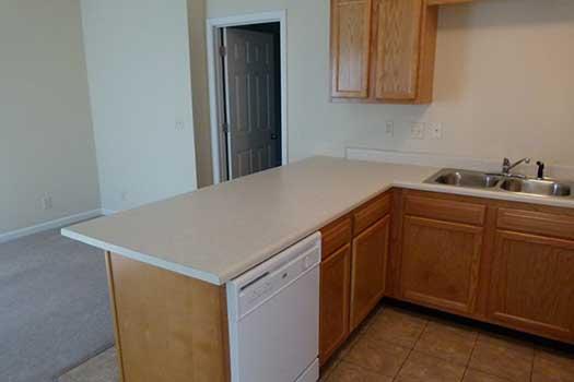 Eastern-Illinois-University-Apartment-Building-248417.jpg