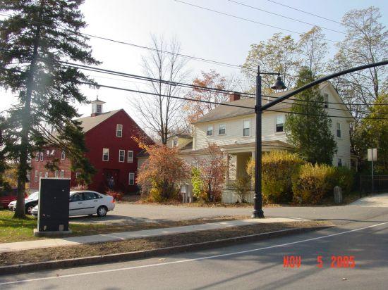 University-of-New-Hampshire-Apartment-Building-255664.JPG