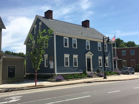 University-of-New-Hampshire-House-255680.JPG