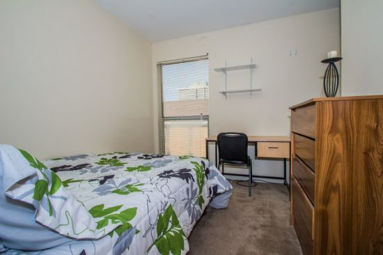 Bedroom Apartment Building at  - 608 East Chalmers Street Champaign, IL 61820 USA image 7