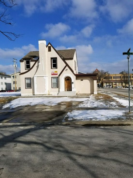 Eastern-Illinois-University-House-354443.jpg