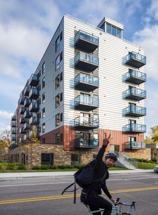 UMN-Apartment-Building-401480.jpg