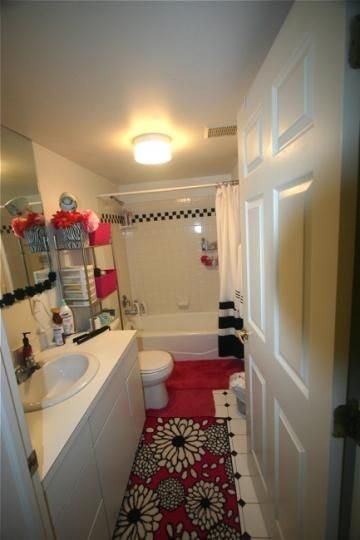 1 block from court street athens rent college pads - 2 bedroom apartments in dc under 1000 ...