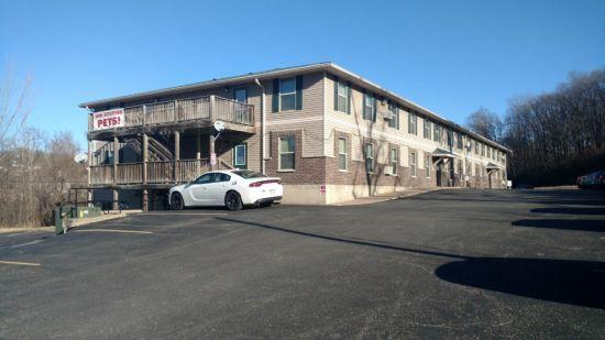 Platteville-Apartment-Building-409976.jpg