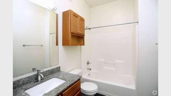 Purdue-Apartment-Building-441152.jpg