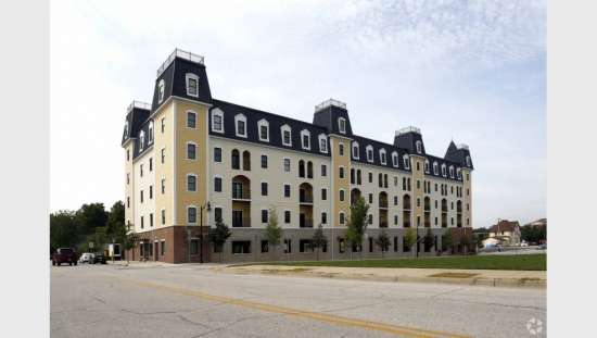Purdue-Apartment-Building-441165.jpg