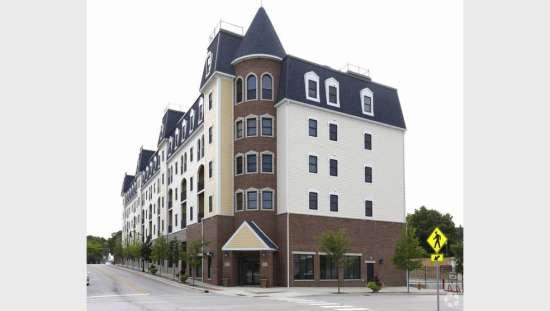 Purdue-Apartment-Building-441166.jpg