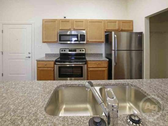 Purdue-Apartment-Building-441178.jpg
