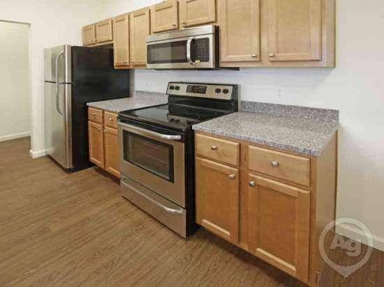 Purdue-Apartment-Building-441179.jpg