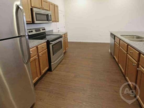 Purdue-Apartment-Building-441180.jpg
