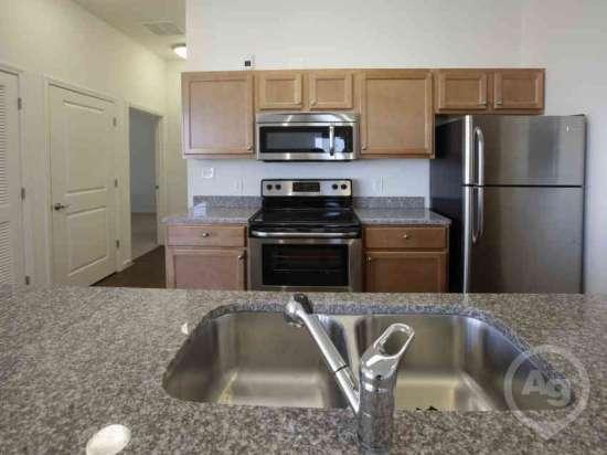 Purdue-Apartment-Building-441181.jpg