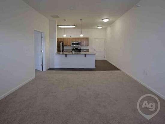 Purdue-Apartment-Building-441191.jpg