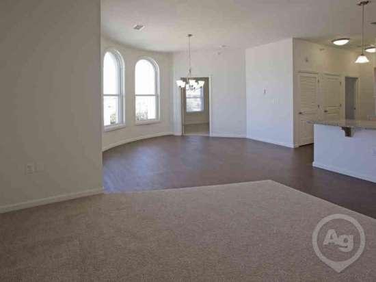 Purdue-Apartment-Building-441192.jpg