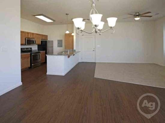 Purdue-Apartment-Building-441193.jpg