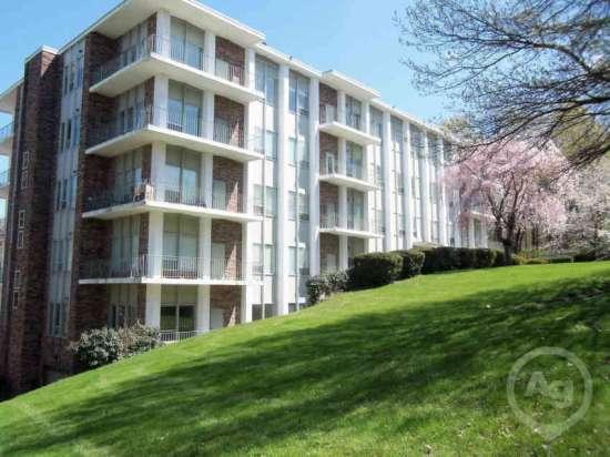 Purdue-Apartment-Building-441203.jpg