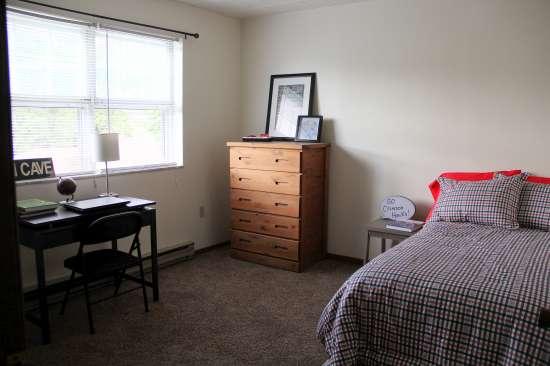IUP-Apartment-Building-443720.jpg
