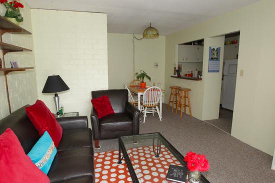 UIUC-Apartment-Building-464163.png