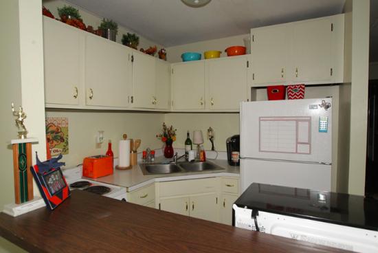 UIUC-Apartment-Building-464165.png