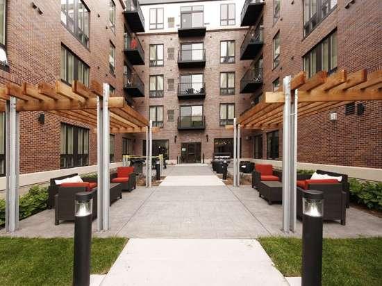 UMN-Apartment-Building-445925.jpg