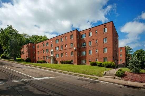 University-of-Pittsburgh-Apartment-Building-469602.jpg