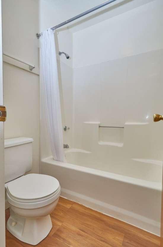 IUP-Apartment-Building-496298.jpg