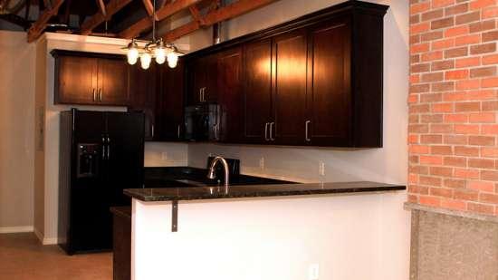 University-of-Arizona-Apartment-Building-496084.jpg