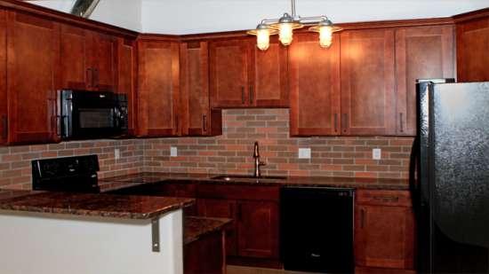 University-of-Arizona-Apartment-Building-496088.jpg