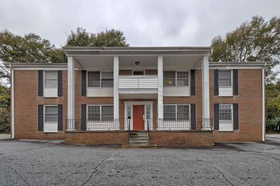 Clemson-Apartment-Building-509176.jpg