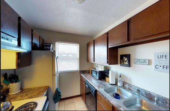 Bedroom Apartment Building at  - 917 Vattier St, Manhattan, KS  66502, United States image 4