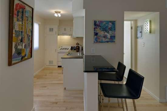 University-of-Arizona-Apartment-Building-498535.jpg