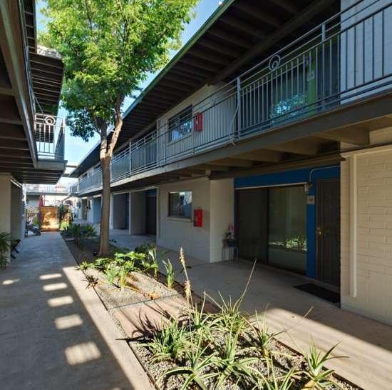 University-of-Arizona-Apartment-Building-498536.jpg